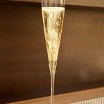 レストラン ラ・フロレゾン・ドゥ・タケウチ - グラスシャンパン
