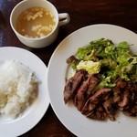 肉バル 310 - ボリュームたっぷり!ステーキランチ(カタロース)(980円)