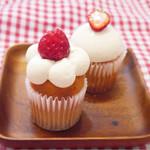 63851549 - 苺のショートケーキ&ダブルベリーチーズケーキ