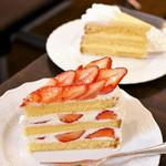 63852521 - いちごのショートケーキ