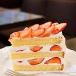 63852545 - いちごのショートケーキ