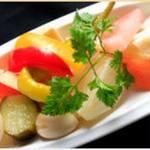 自家製、野菜のピクルス