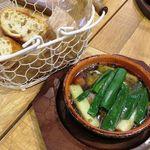 ソライロ キッチン - 高知産ネギと牡蠣のアヒージョ 690円