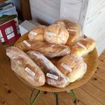 ココペリ - ヒッポー製パン所のパンも取り扱っています(土曜限定)