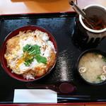 蓮田サービスエリア(下り線)レストラン - カツ丼1050円