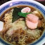 はつね - ワンタン麺(大盛)