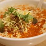 金の鶏 - 料理写真:担々麺