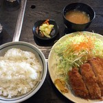 田子作 - 料理写真:とんかつ定食 640円