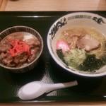 63861928 - 塩ラーメン&豚丼セット780円