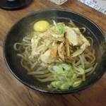 YUI - 蕎麦にかき揚げと生卵をトッピングです