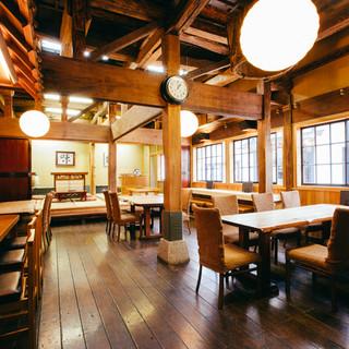 古き良き小樽を感じる築120年の大正レトロな歴史ある空間!