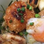 幸の鶏 - 地鶏とつくねの焼鳥丼 アップ
