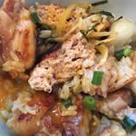 幸の鶏 - 地鶏とつくねの焼鳥丼 かき混ぜ後