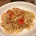 63868573 - ズワイガニとトマトのスパゲティー