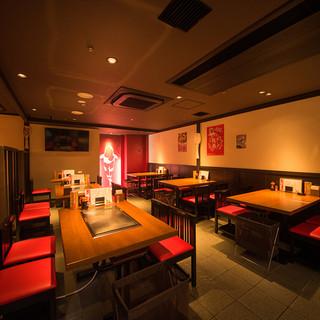 広島愛あふれる広々とした店内で心身ともに熱いひとときを過ごす