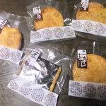 小宮せんべい本舗 - お煎餅色々