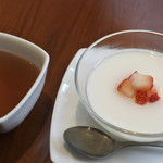 野杏 - ウーロン茶と杏仁豆腐