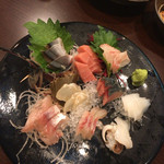 回転寿司 日向丸 -