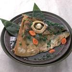 上野 寄せ家 - 鮪のカブト煮 一度にホホ肉、希少部位の頭肉、目の周りのゼラチンを召し上がれます!