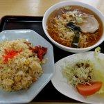 味の店 進来軒 - 料理写真:チャーハンセット880円
