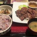 大戸屋 - 牛タン定食·五穀米大盛り