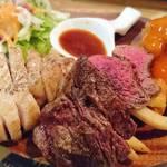 パテ屋 - 肉盛りステーキプレート  アップ
