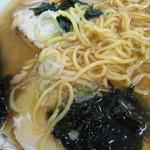 チャーシュー専門店 チャーシュー力 - 醤油ラーメンの麺(少し細い)