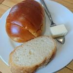 食事とお酒の店 ドリアン - パン(焦げパンじゃなかった)