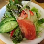 食事とお酒の店 ドリアン - スモールサラダ(胡瓜とトマトが微妙)