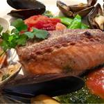 厨 - 鮮魚のカリカリ焼き(本日はサーモン)