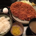 三叶家 - 料理写真:ジャンボメンチ定食¥800