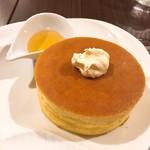 雪ノ下 - クロテッドクリームと蜂蜜のパンケーキ♪