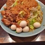 63894348 - 小ラーメン(ヤサイ普通、アブラマシ)+うずら+豚マシ