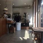 SOLA COFFEE ROASTERS - 内観です