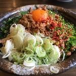 麺屋GOO - 料理写真:下に大量のモヤシが隠れている
