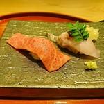 肉屋 雪月花 NAGOYA - 近江牛握り寿司 赤身と霜降り
