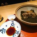 肉屋 雪月花 NAGOYA - 最上牛テール炊き 生醤油、福井辛子