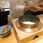 肉屋 雪月花 NAGOYA - 南魚沼産こしひかり 胴釜で炊きたてです♪