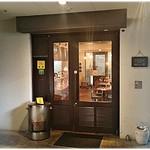 ウミガメ食堂 - お店入り口。