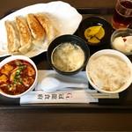 冠龍食府 - 料理長オススメ定食 @580円 ご飯が右側にセットされているというのは…まぁ、ご愛嬌。