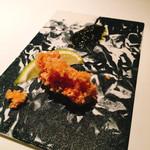 63905714 - 海老煎餅を纏った山口県産真ふぐのフリット、ハバノリのソース