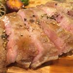 ハガレ - 料理写真:金華豚のロースト