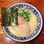 にんにくや - 正油ラーメン750円