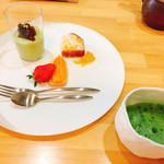 佐とう - デザート、抹茶ムースに小倉餡、はっさくのママレードケーキ、フルーツと食後の抹茶
