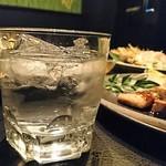 名古屋コーチン専門居酒屋 鳥銀邸 はなれ - 焼酎ロックはたんまり
