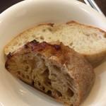 トリコローレ - パンもめっちゃ美味しい!