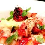 ビストロヴァリエ - 苺のパルフェ