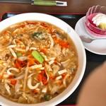 菜館 - 料理写真:酸辣湯麺とデザートセット(1,000円)