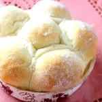 もん - 牧場の白い石焼きパン 200円(税抜)