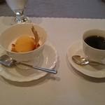 吉田 - 料理写真:デザートとコーヒー